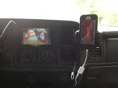 Pioneer 8500 iphone 5 with app radio extensions