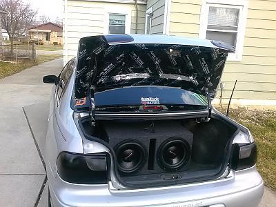 trunk in a 04 malibu